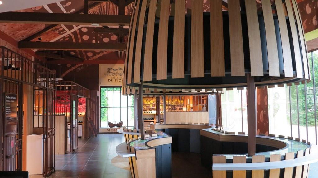 Chateau hotel bourgogne ch teau pizay h tel spa entre lyon et macon - Restaurant chateau de pizay ...